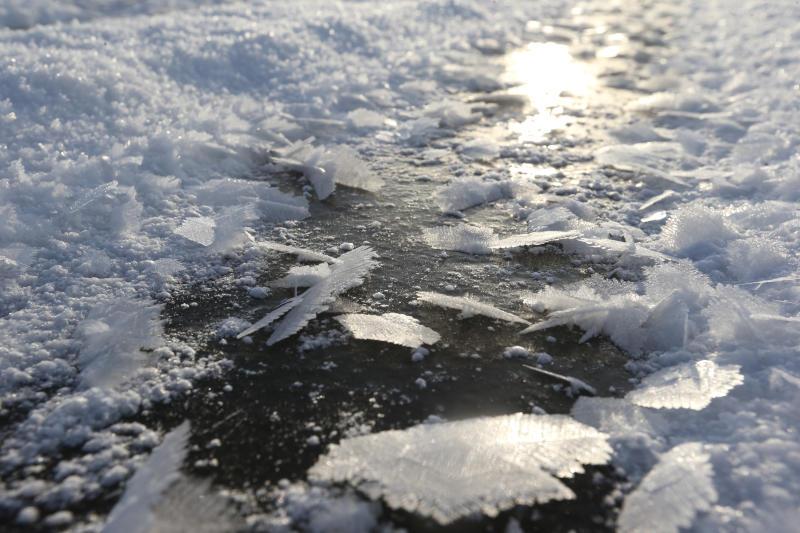 На юго-востоке Москвы спасли провалившегося под лед мужчину