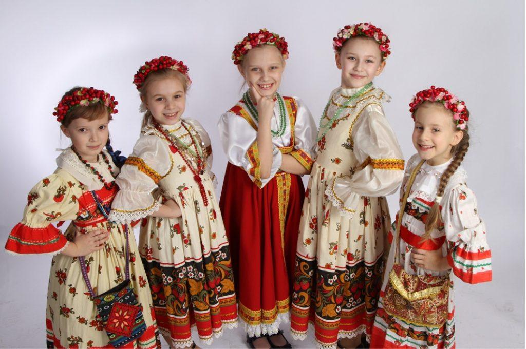 Юные певицы из ансамбля «Брусника» поздравят жителей юга с Новым годом