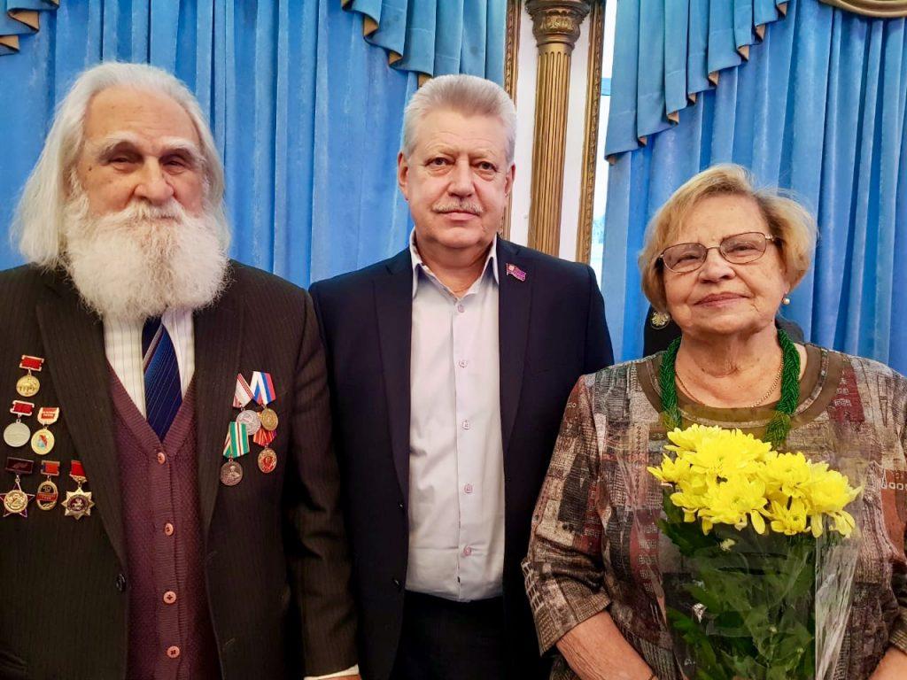 Жителей Южного округа поздравили с Днем Героев Отечества. Фото предоставила пресс-секретарь Михаила Антонцева Екатерина Миронова