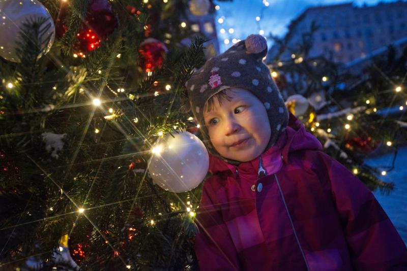 Новогодние чудеса: в центре «НЕО-XXI Век» откроют выставку детских работ