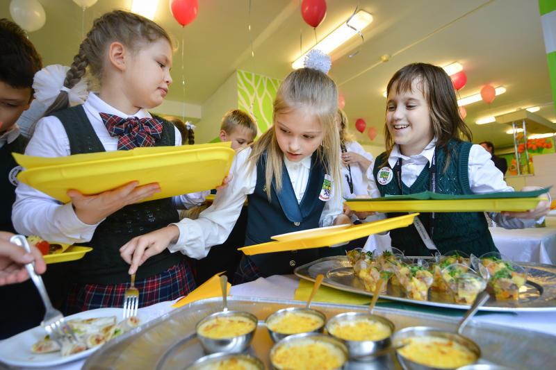 Москвичи смогут выбрать питание из школьного меню для своих детей