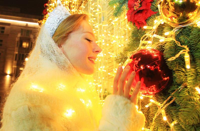 Предпраздничное «Царицыно» засияет яркими огнями. Фото: Наталия Нечаева, «Вечерняя Москва»