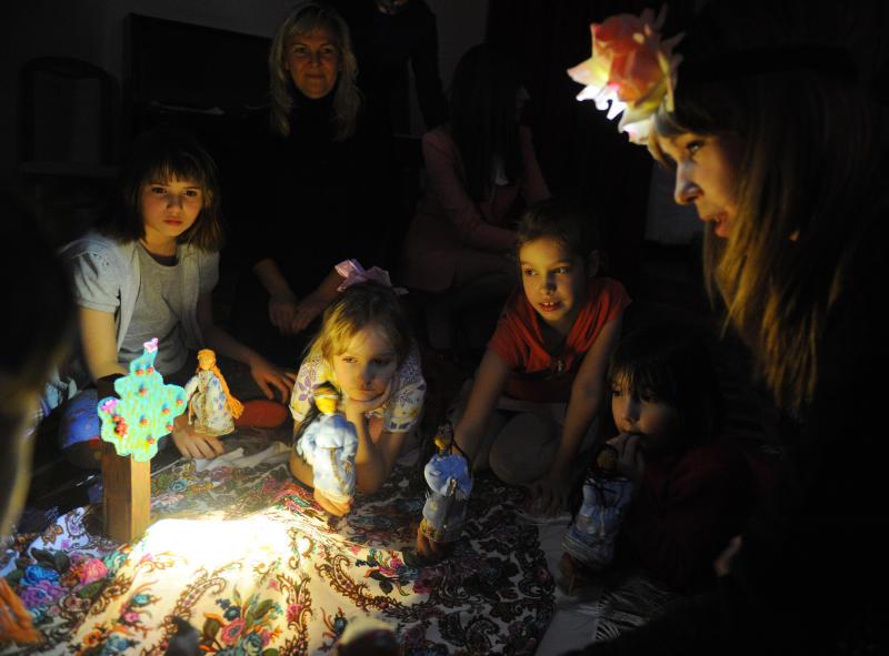 Юным горожанам предложили создать сказку. Фото: Александр Кожохин, «Вечерняя Москва»