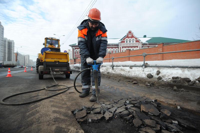 Специалисты выполнили план по благоустройству района Чертаново Центральное за 2018 год