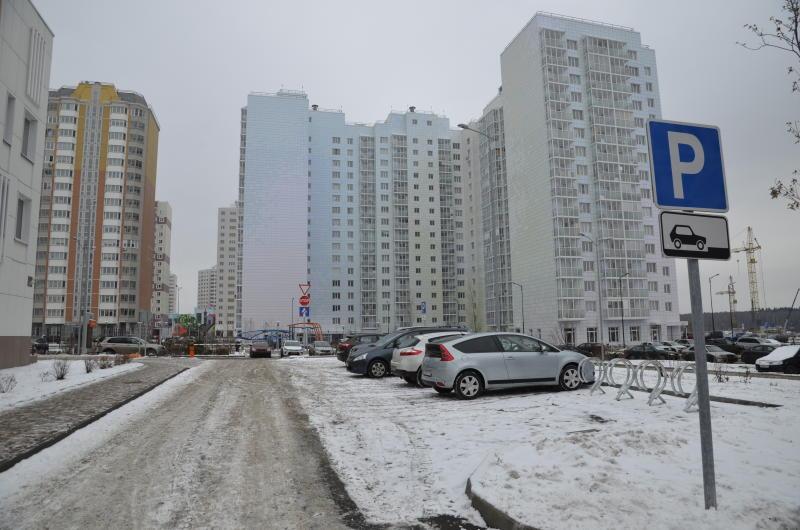 Парковка на улицах столицы станет бесплатной в праздничные дни