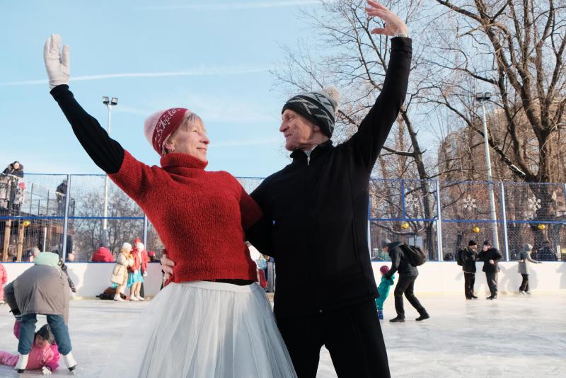Жителей юга пригласили на открытый каток на Ярмарочной площади в «Коломенском»