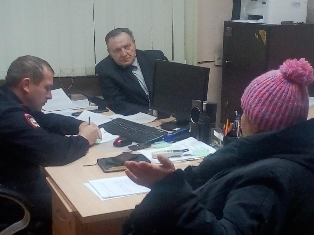Начальник ОМВД России по району Бирюлёво Восточное г. Москвы вместе с председателем Общественного совета при УВД по ЮАО приняли участие в Едином дне приёма населения