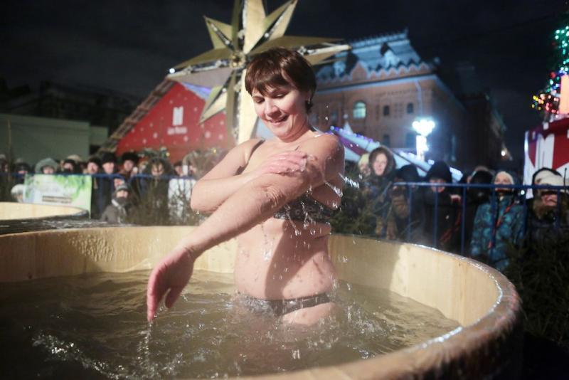 Москва подготовит более 60 площадок для крещенских купаний