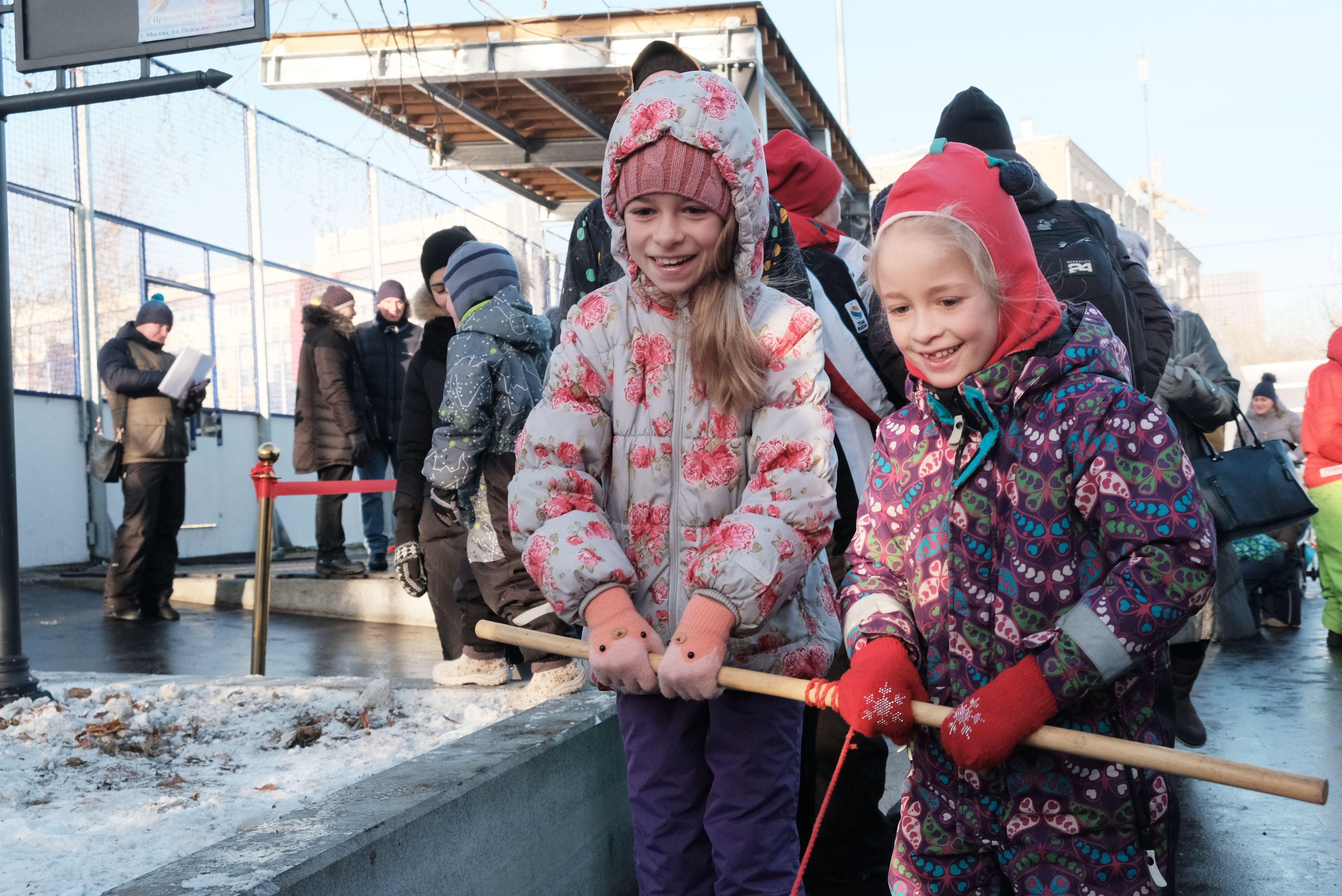 Москвичей пригласили на рождественские гулянья в парки города
