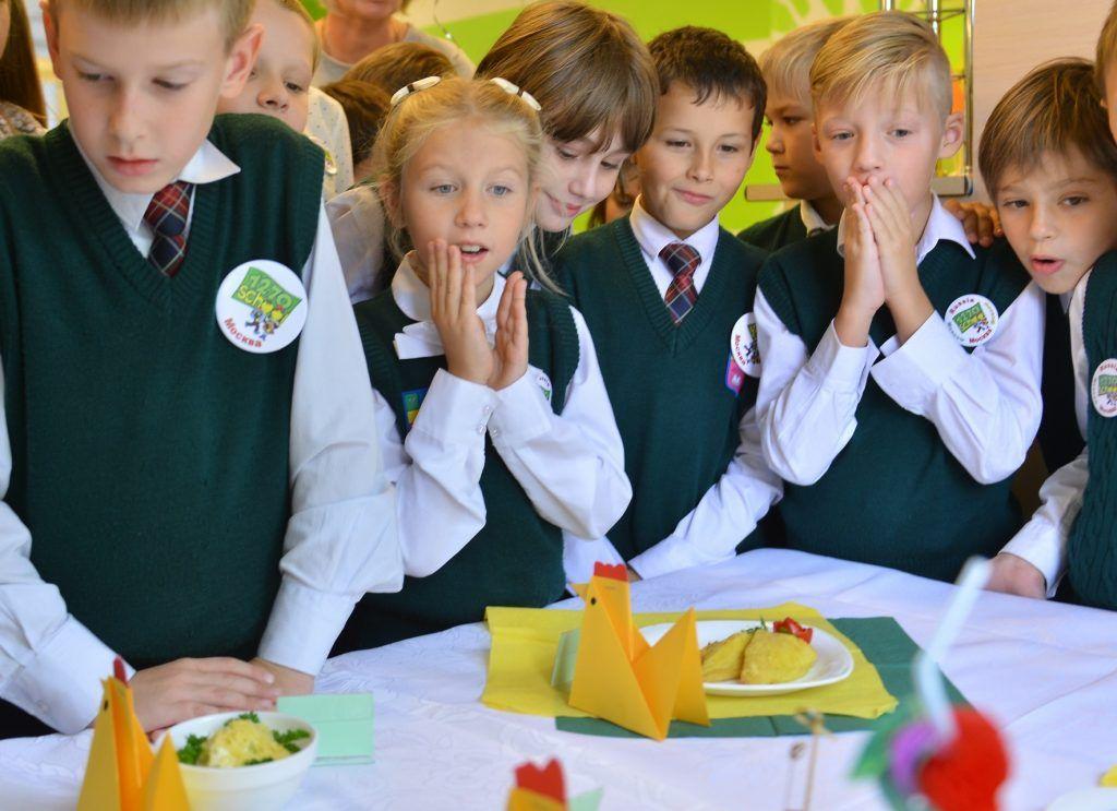 Судьба завтраков и обедов обсуждается на высоком уровне. Фото: Наталья Феоктистова