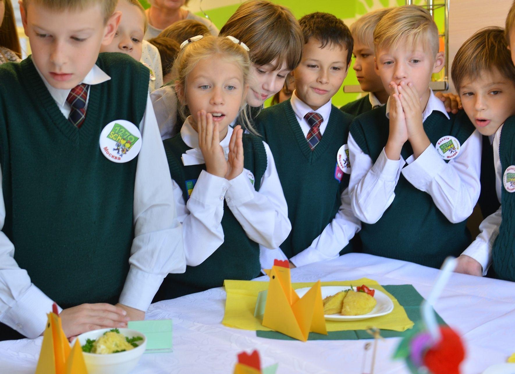 Депутат Госдумы заступился за домашнюю еду в школах Москвы
