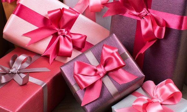 «Единая Россия» законодательно сохранит право учителей и врачей принимать подарки