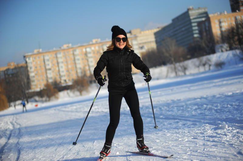 Соревнования по лыжным гонкам проведут в Бирюлевском дендропарке. Фото: Павел Волков, «Вечерняя Москва»