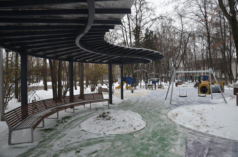 Более 20 территорий в районе Бирюлево Западное благоустроили за счет средств от платных парковок
