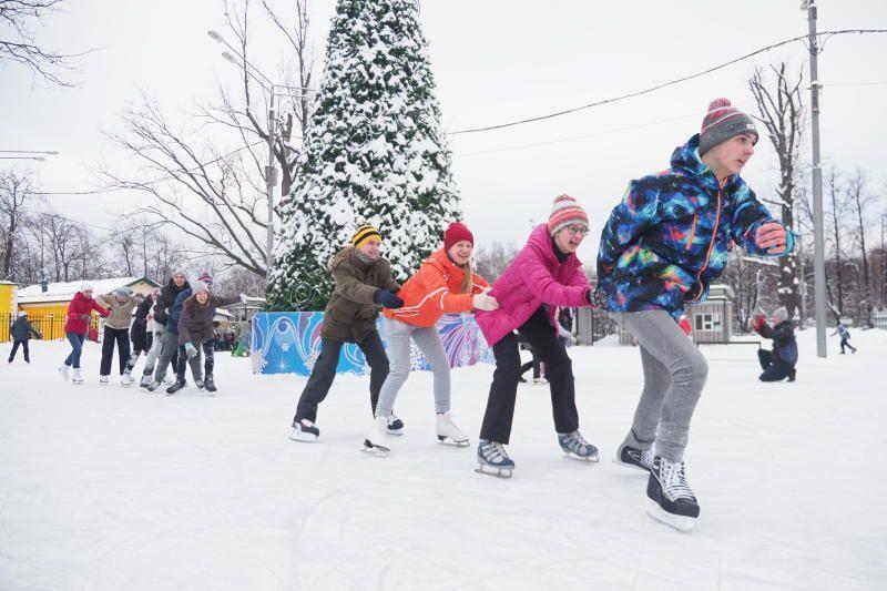 Зимняя сказка: развлекательную программу проведут на катке в Нагатинском Затоне