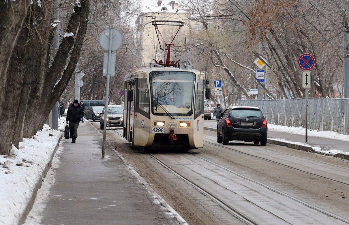 Трамвайные пути в Южном округе оснастили экологичными шпалами