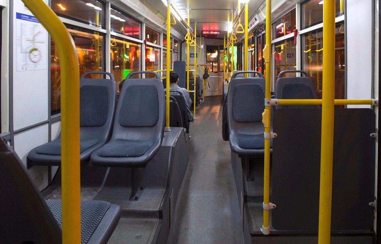 Работу пяти маршрутов наземного транспорта в Южном округе продлят в ночь с 18 на 19 января