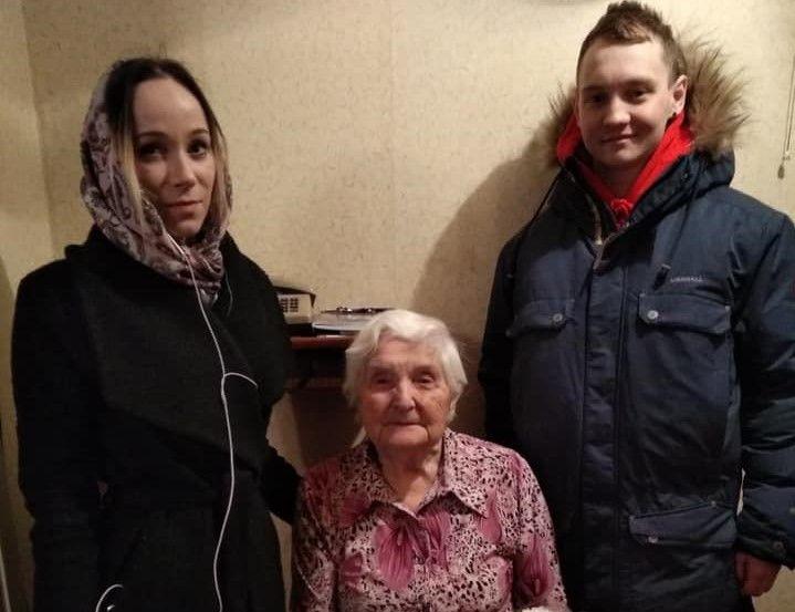 Жительницу Бирюлева Восточного поздравили с 76-й годовщиной победы в Сталинградской битве