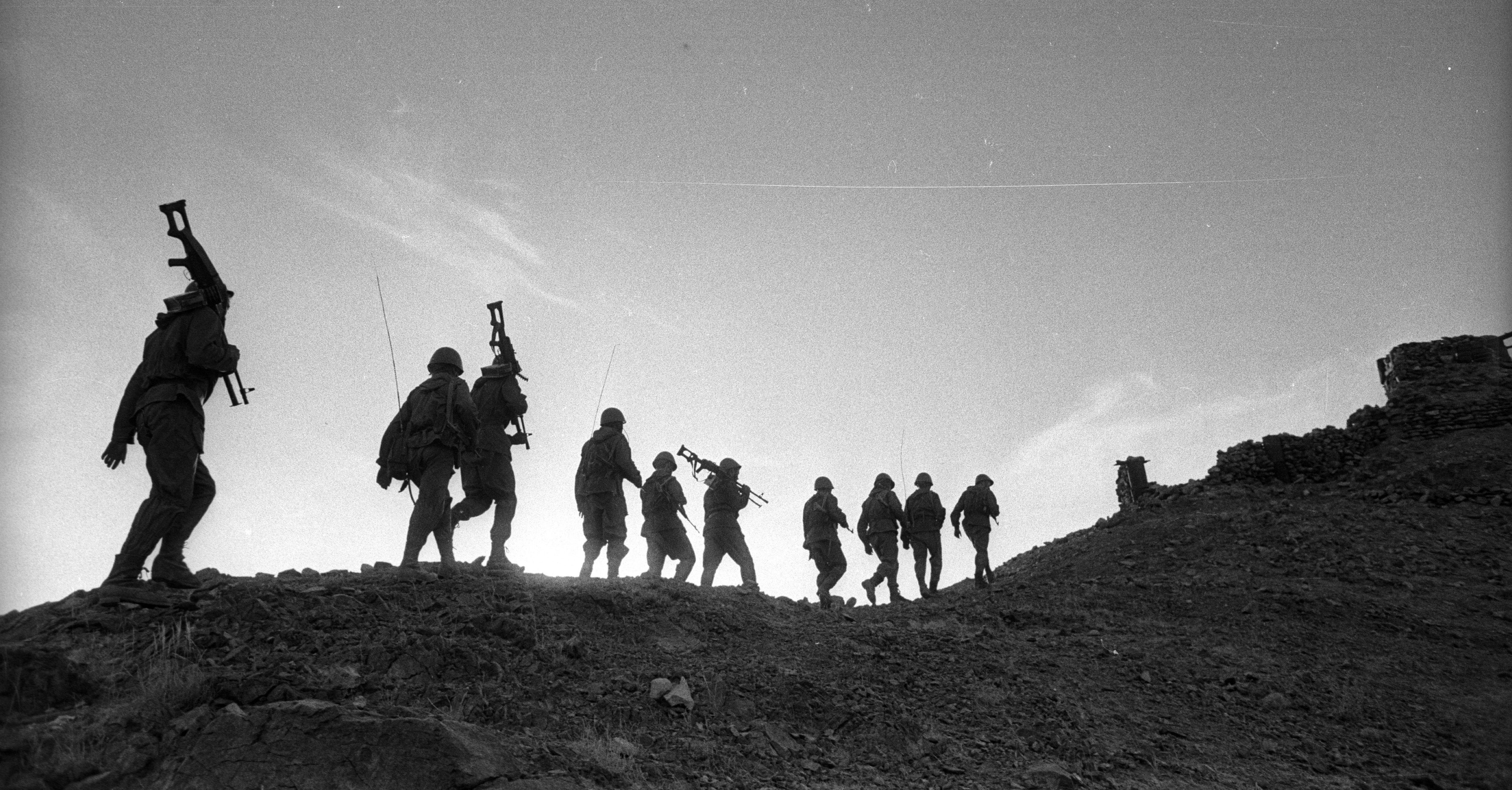 Афган разделил жизнь надвое
