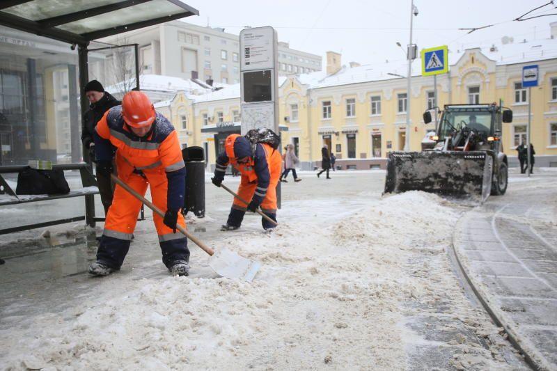 Более 60 тысяч человек устраняют последствия снегопада в Москве