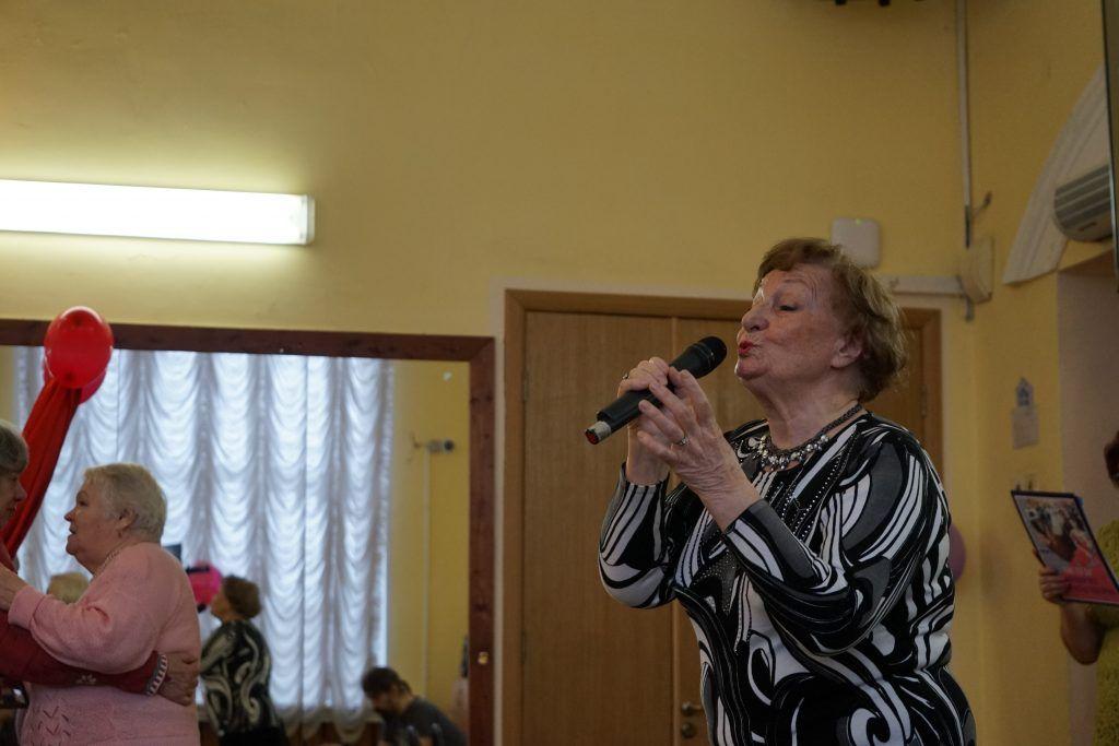 Людмила Иванова — профессиональная певица с замечательным голосом. Фото: Михаил Прядко
