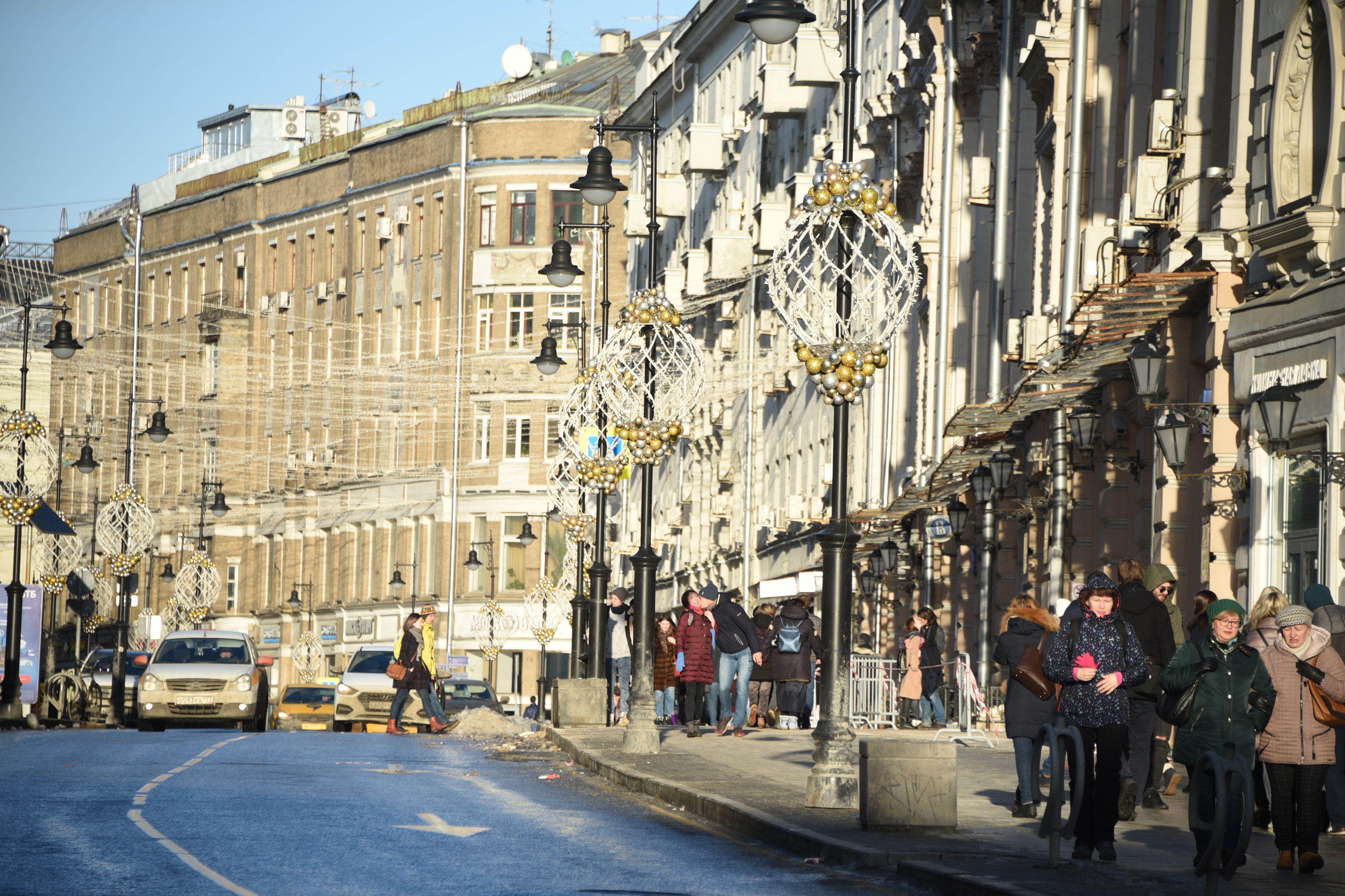 Субботние заморозки и воскресная оттепель ждут Москву