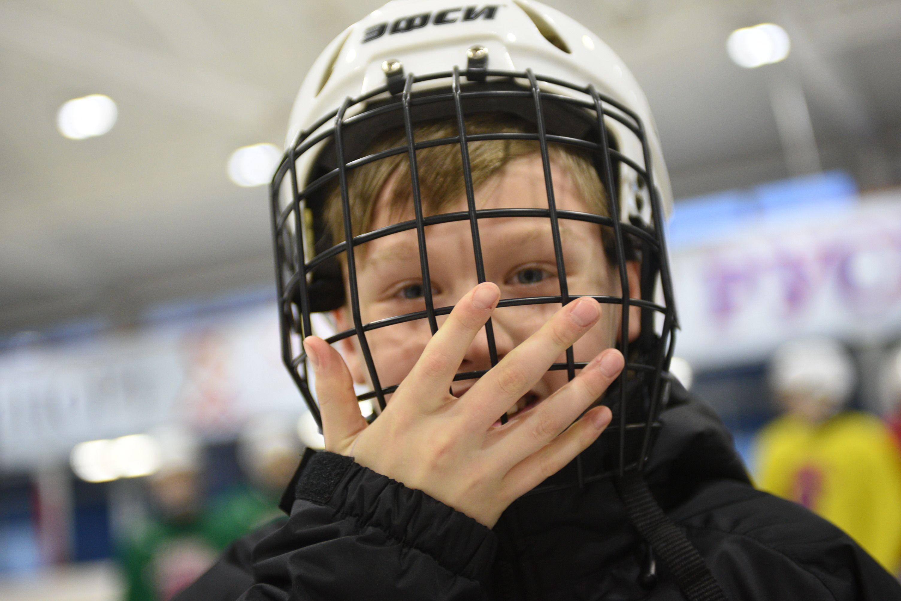 Турнир по хоккею провели в «Садовниках»