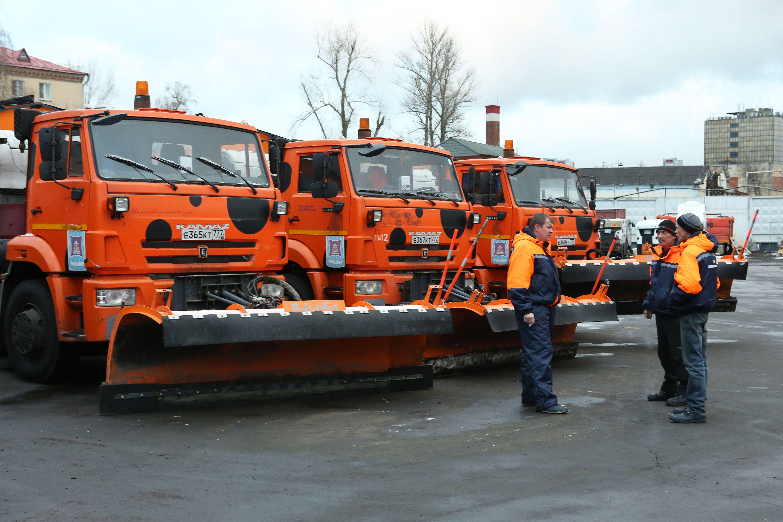 Более восьми тысяч единиц спецтехники задействовали при расчистке снега