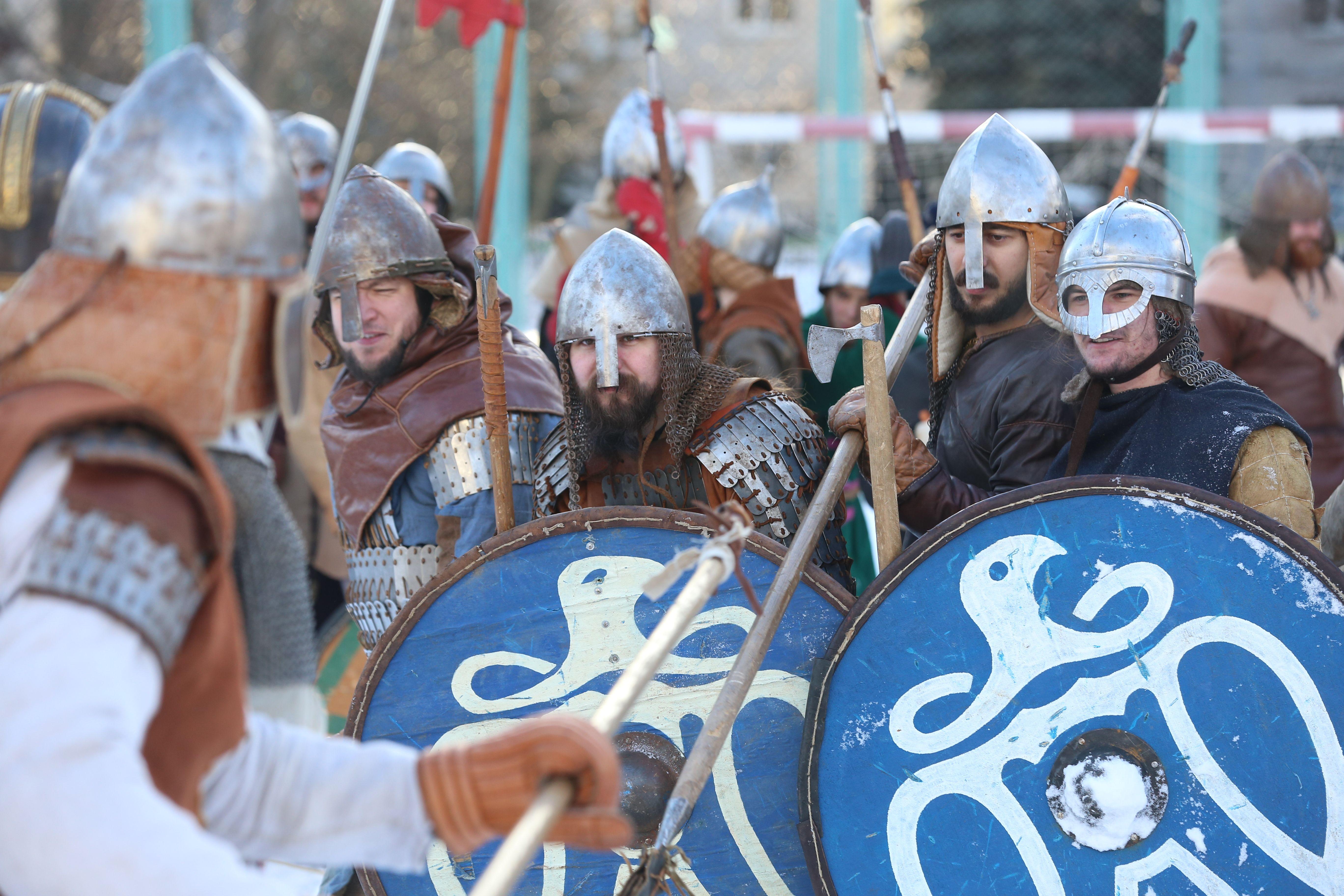 Военный квест и рыцарский бугурт: библиотеки Москвы подготовились к 23 февраля