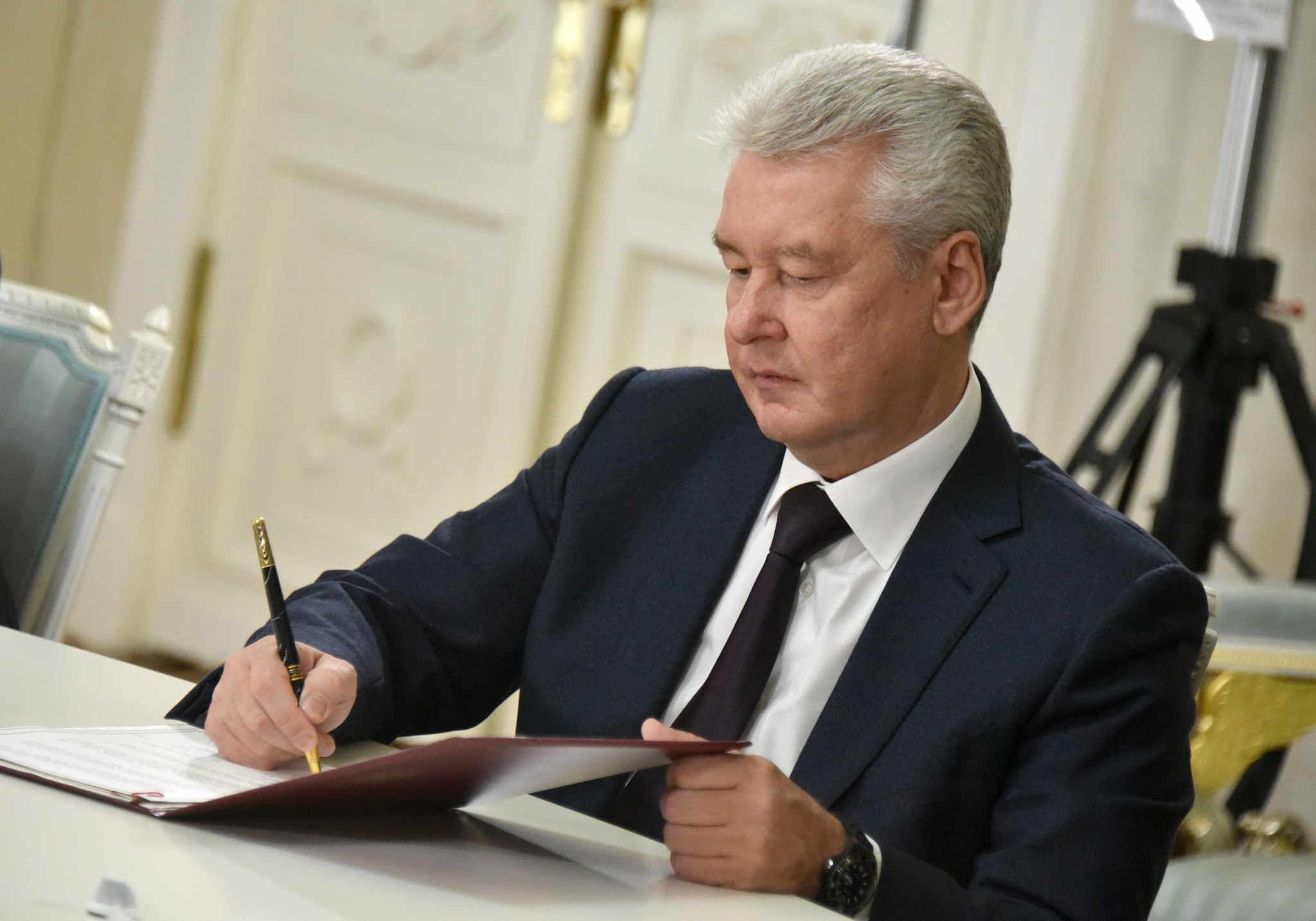 Сергей Собянин подписал соглашение о производстве лекарств в Москве