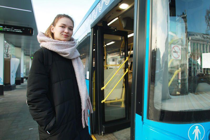 Автобус и трамваи практически догнали столичное метро по объему перевозок