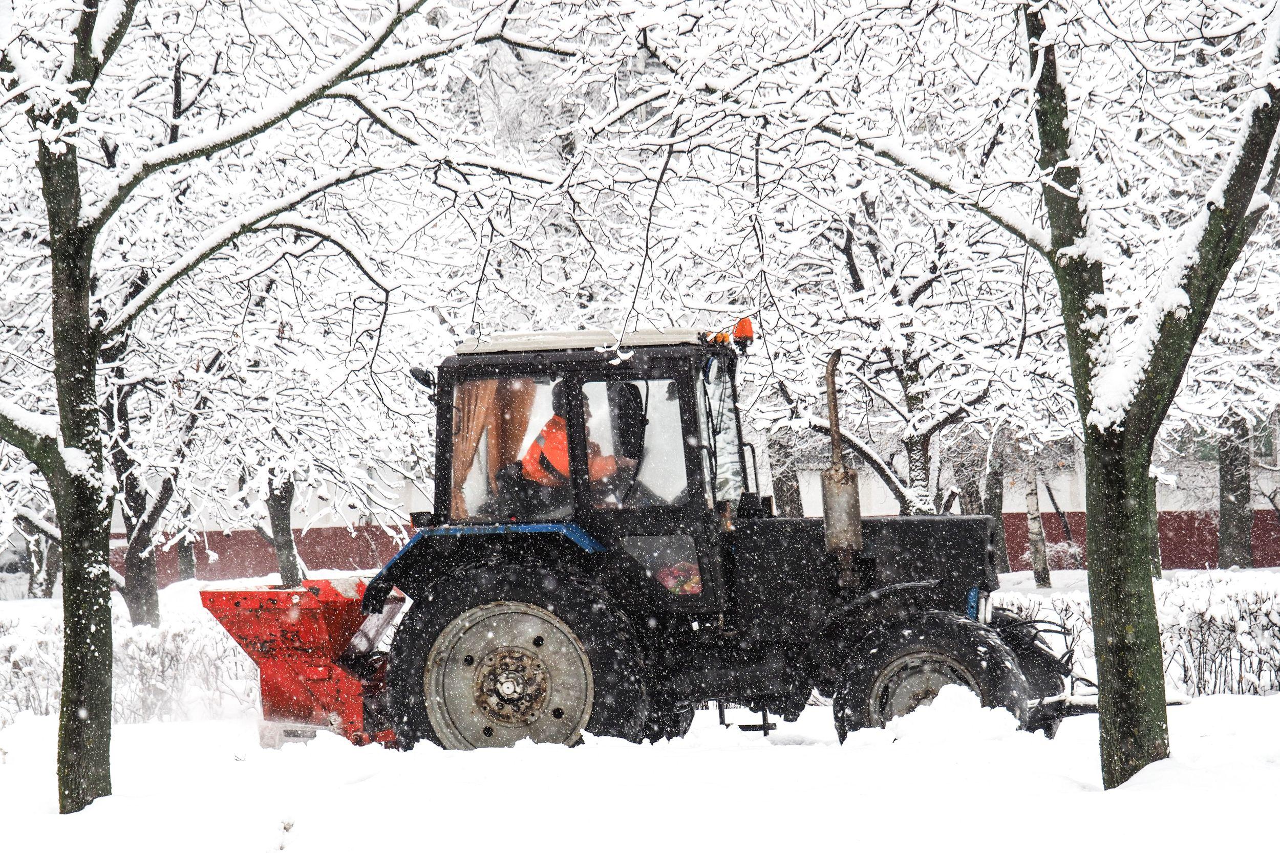 Коммунальщики избавили Москву от 450 кубометров снега за сутки