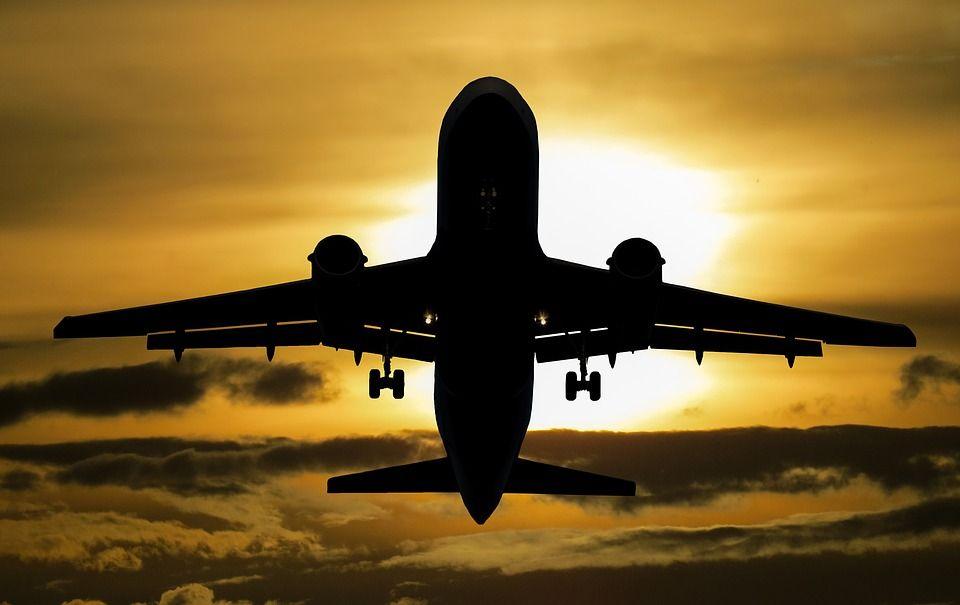 Московский школьник спас жизнь пассажиру самолета