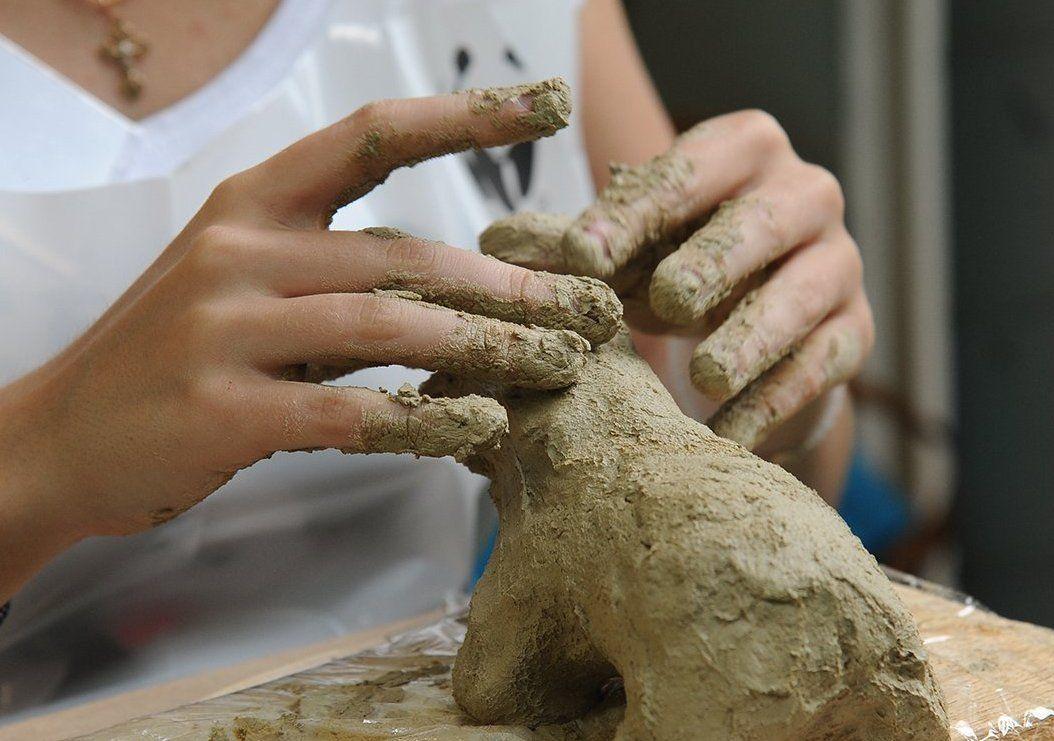 Юных жителей юга научат лепить единорога из полимерной глины