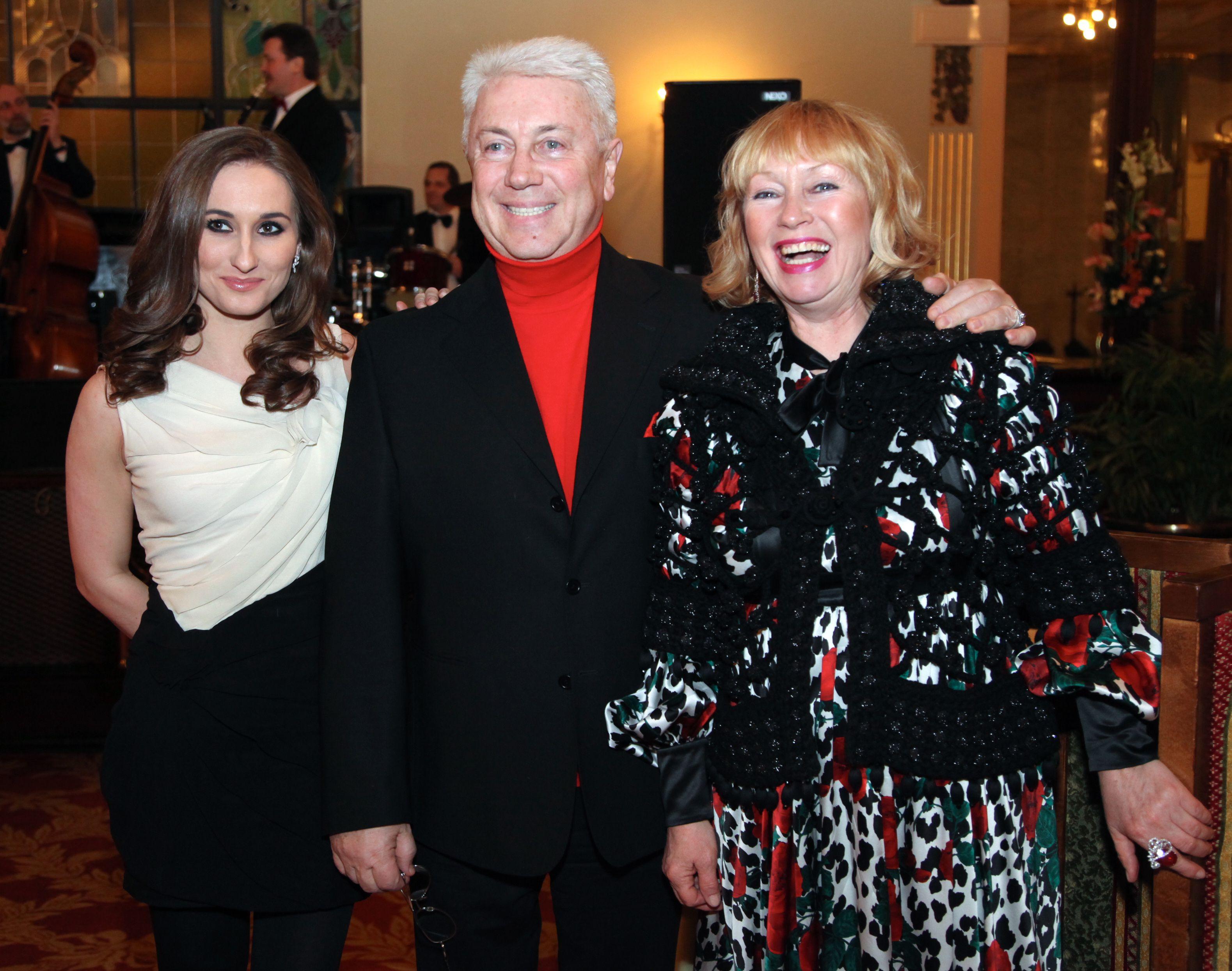 8 марта 2011 года. Юморист с дочерью Анастасией (слева) и супругой Тамарой. Фото: Екатерина Чеснокова/РИА Новости