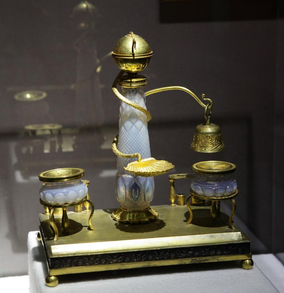 Письменный прибор XIX века с колокольчиком. Фото предоставила пресс-служба «Коломенского»