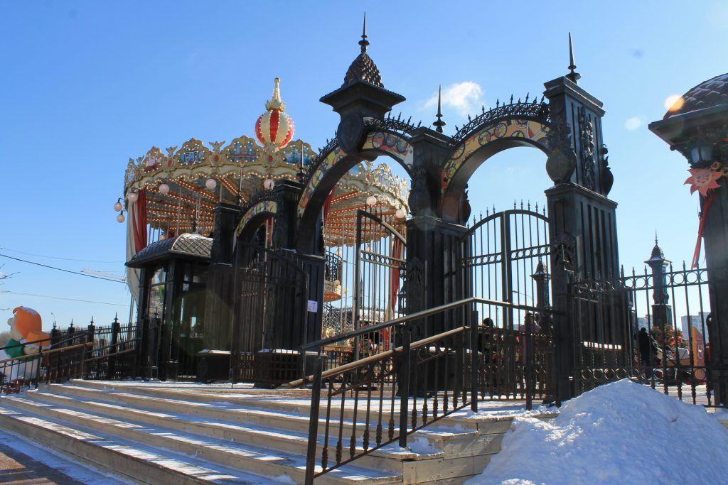 Вход на площадку «Московской Масленицы» на Ореховом бульваре. Фото: Любовь Тимошкина