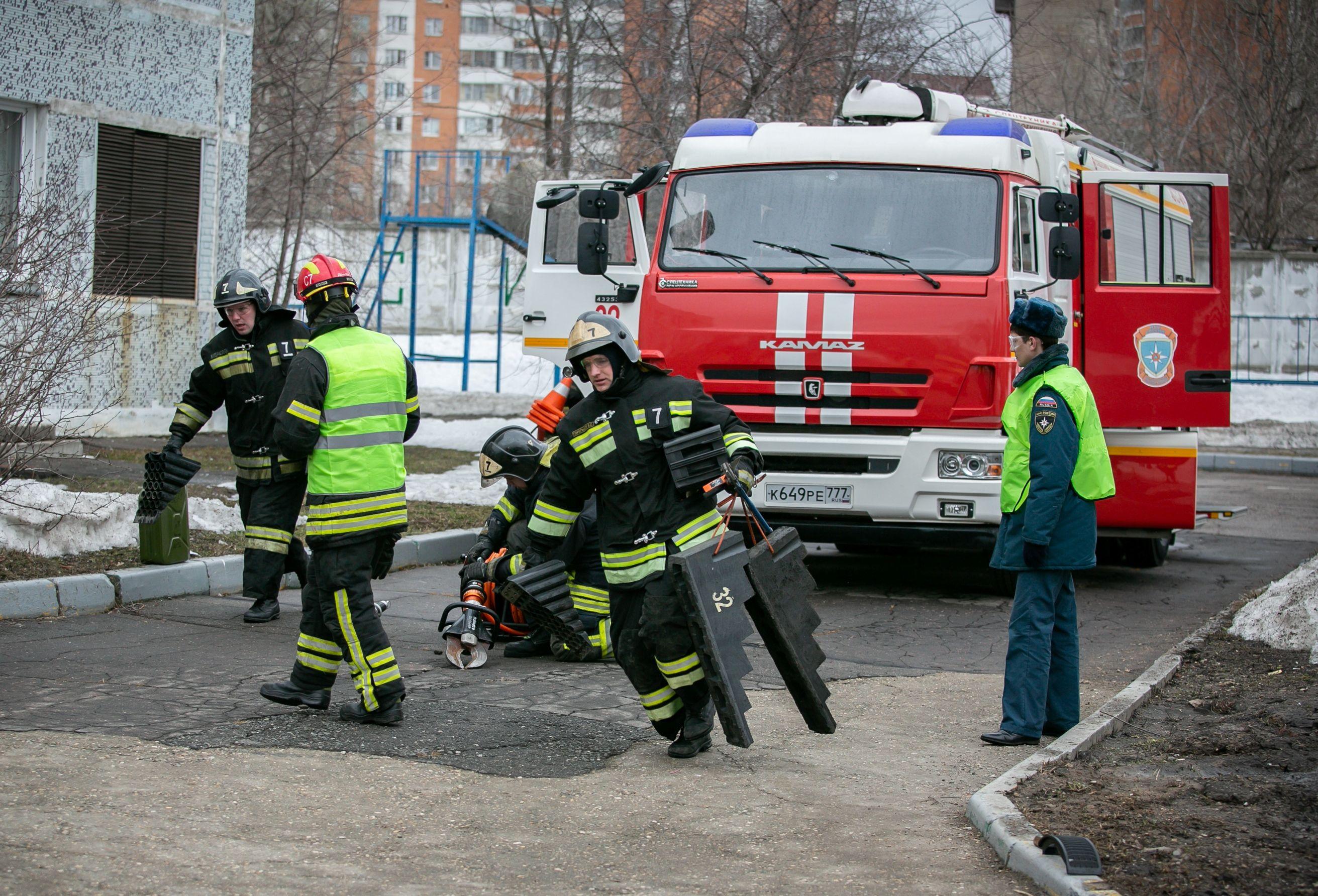 Соревнования среди пожарных провели на юге