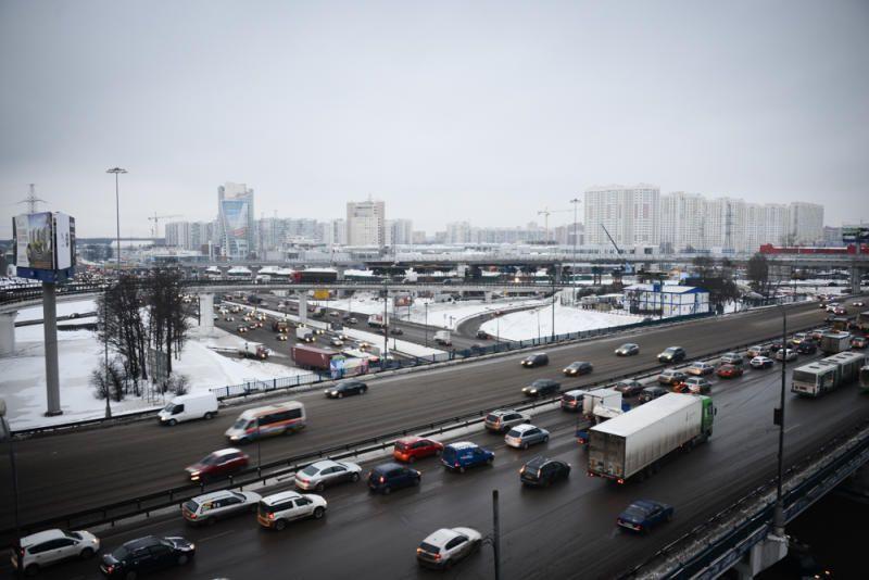 Водителям столицы во время снегопада помогут экипажи дорожного патруля