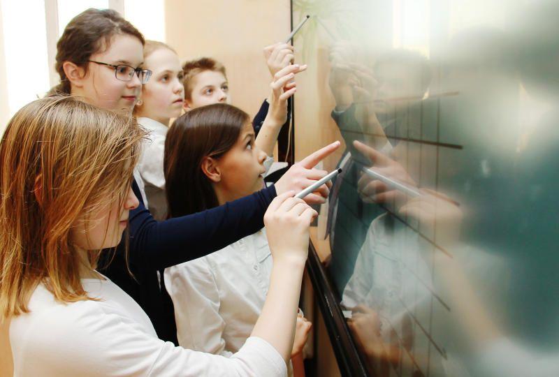 Более 1500 москвичей вышли в финал Всероссийской школьной олимпиады