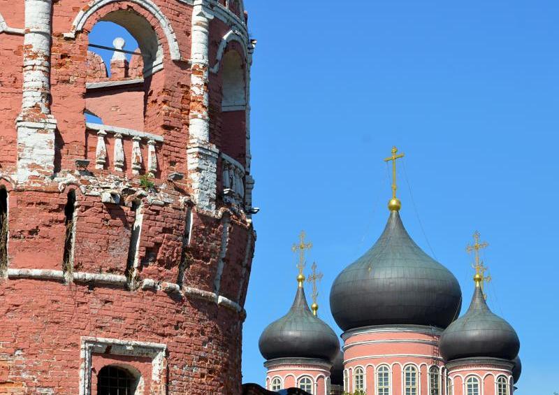 Представители Донского монастыря пригласили школьников на открытый урок истории. Фото: Анна Быкова