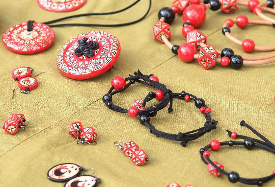 Кожаные браслеты-обереги смастерят в «Вертикали»