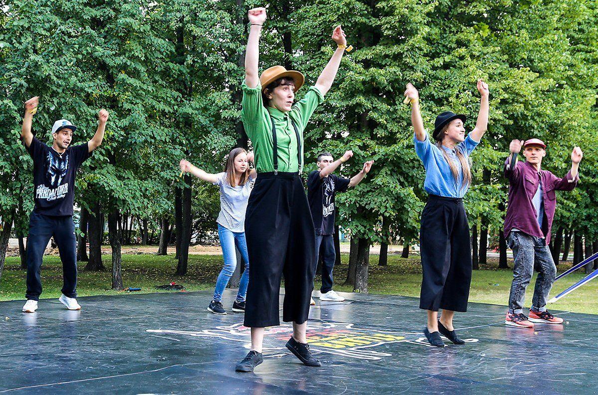 Активные москвичи выберут программу летних кружков и студий