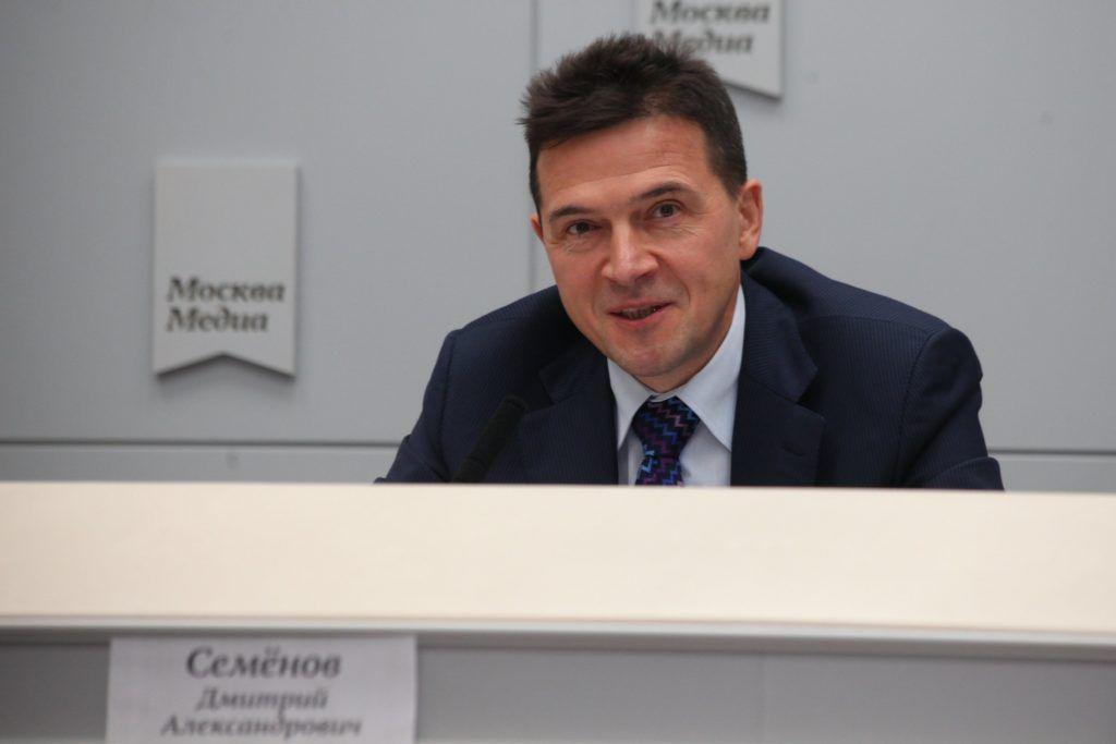 На фото начальник ОАТИ Москвы Дмитрий Семенов