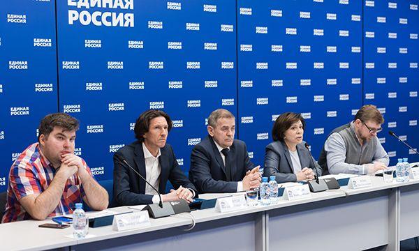 «Единая Россия» проведет летом всероссийский фестиваль дворового футбола