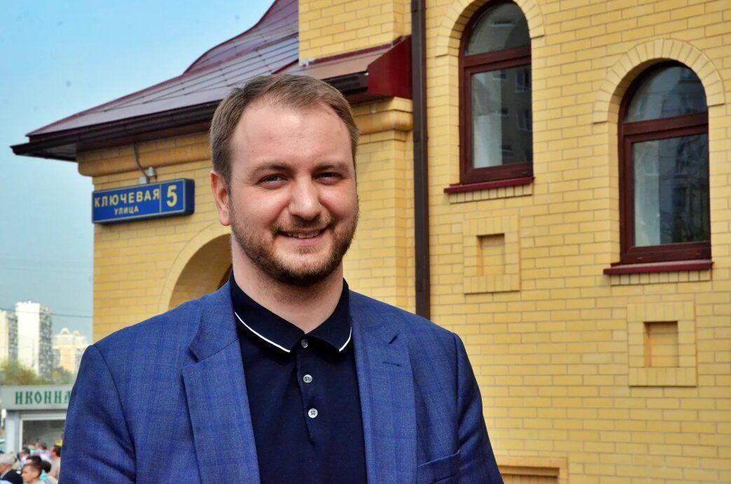 Депутат Московской городской Думы Кирилл Щитов в преддверии Пасхи побывал в храме в Братеево