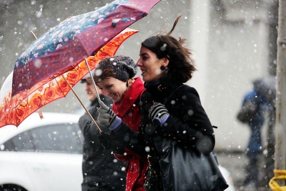 Москву накрыло апрельским снегопадом в воскресенье