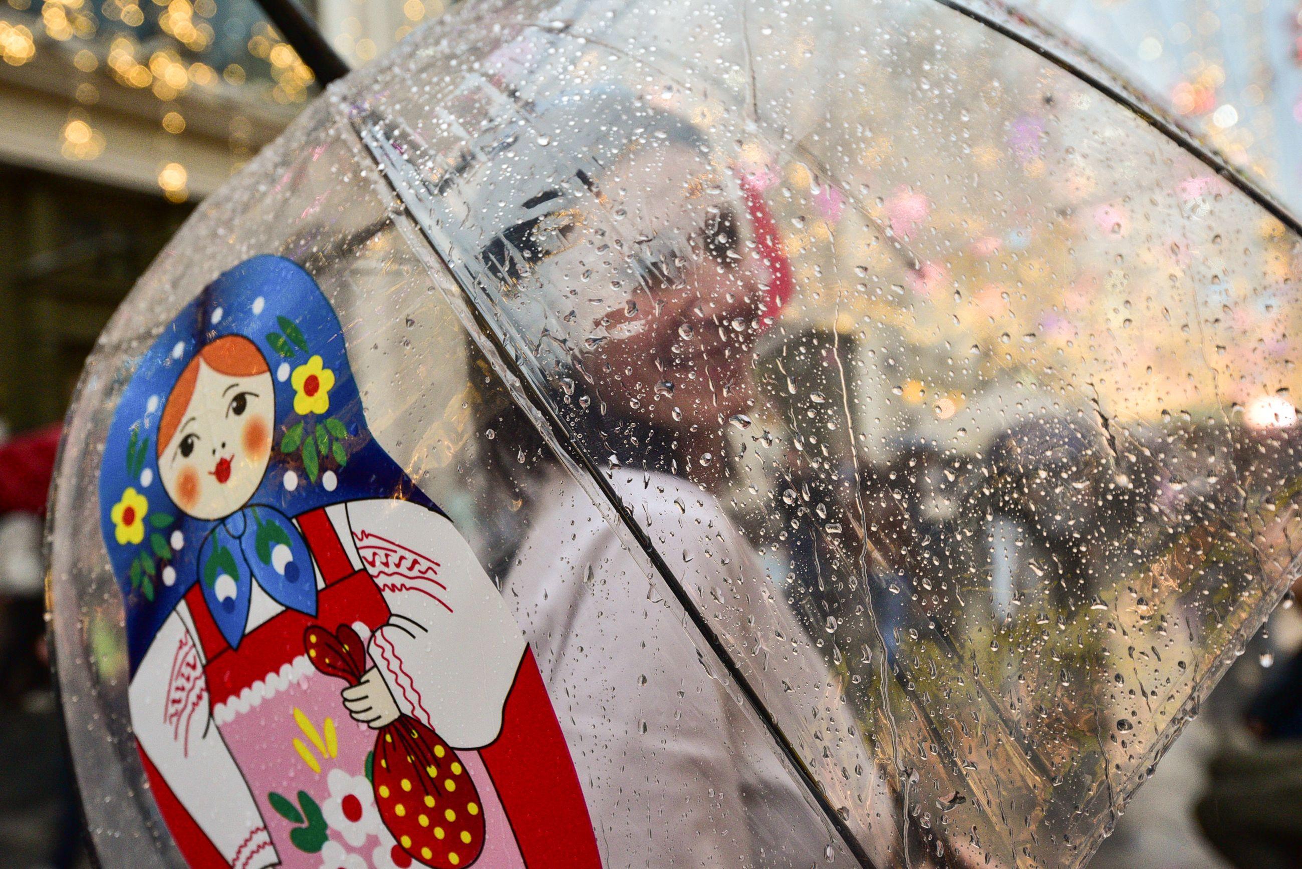 Аномальное тепло в Москве сменится дождями в выходные