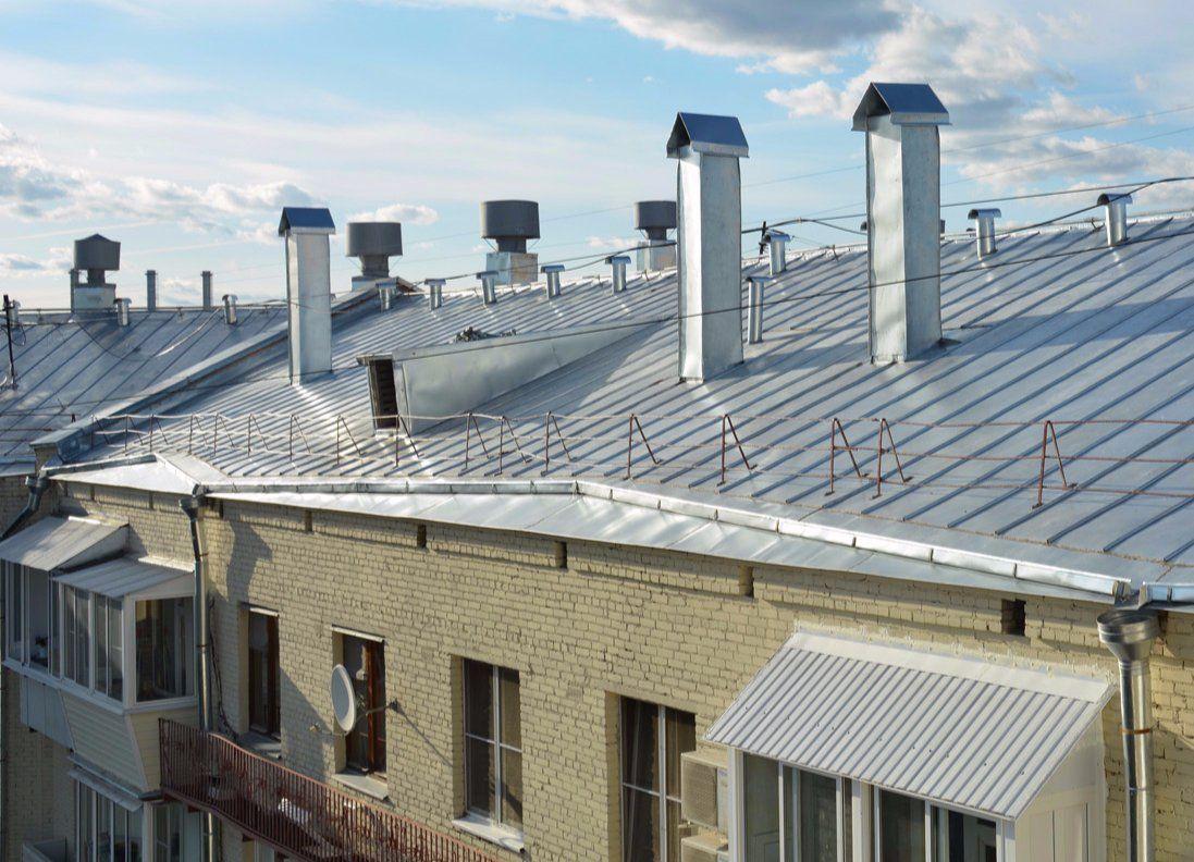 Специалисты отремонтируют фасады и крыши трех домов в Нагатинском Затоне