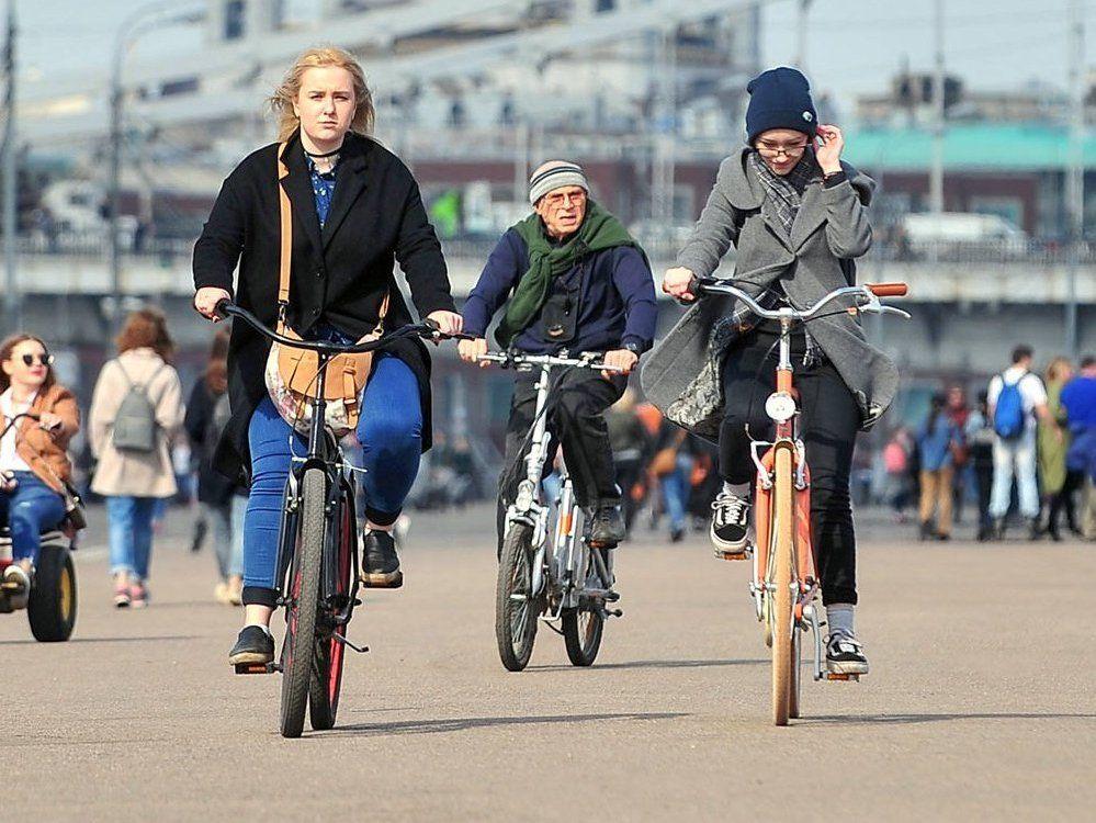 Тандем-велосипеды и фэтбайки: на чем можно покататься в парке «Садовники»